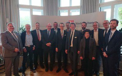 Niedersachsens Händler und Politiker Auge in Auge